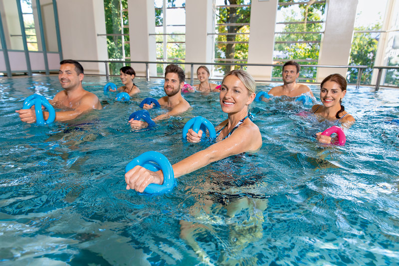 Gruppentherapiebecken mit 32 °C im Therapiebad